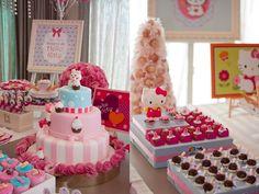 festa hello kitty 5 Bolo Hello Kitty, Hello Kitty Birthday, Anniversaire Hello Kitty, Girl Birthday Themes, Cat Party, Cake, Camilla, Party Ideas, Girls