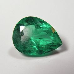 Stone Type: Natural Emerald Stone Cut: Pear, Faceted Weight: 3.73 Ct. Measurements: 12.86x9.81x6.21 mm. Color Grade: Fine Medium Green Clarity Grade : VS (GIA Type III Colored Gemstone) Origin: Colomb