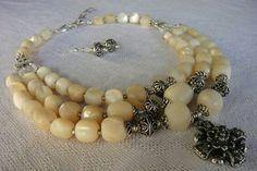F Beaded Bracelets, Necklaces, Ukraine, Creative Ideas, Pearl Necklace, Stones, Jewelry Making, Jewellery, Pearls