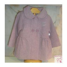 ABRIGO NIÑA BABY TOUS VICHY-112. Precioso abrigo de niña de la colección Vichy de Baby Tous. LLeva doble botonadura y pliegues en los lados.  Ideal para los días de invierno.