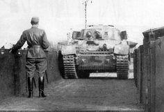 Turán I mm Škoda Ww2 Tanks, Armored Vehicles, War Machine, World War Two, Military Vehicles, Techno, Wwii, Germany, Army