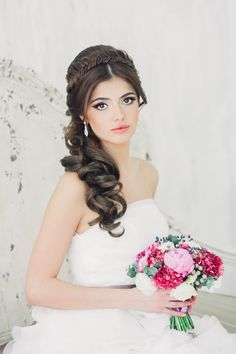 Pin by Shelley Yokota on Wedding ideas in 2019 Debut Hairstyles, Bride Hairstyles, Pretty Hairstyles, Hairdo Wedding, Wedding Hairstyles For Long Hair, Hair Images, Hair Pictures, Bridal Hair Buns, Haircut Styles For Women