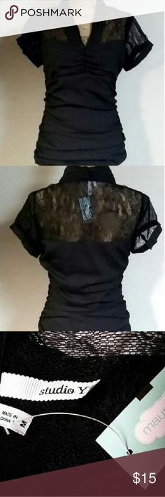 """💥NEW LISTING💥 STUDIO Y SHORT SLEEVE BLOUSE SZ M Measurements are as followed. Lying flat side to side.  Pit to pit 17"""" and total length 25"""" from the top of the shoulders to the bottom of the hem. Please read these before you buy. THANKS. Studio Y Tops Blouses"""