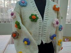 Diy Art, Easy Diy, Vest, Sweaters, Fashion, Gifs, Moda, Fashion Styles, Sweater