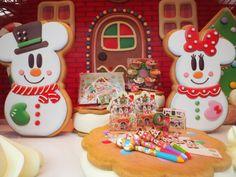Tokyo Disney Resort, Christmas 2014, Gingerbread Cookies, Holiday Crafts, Birthday Candles, Outdoor Decor, Cute, Xmas, Gingerbread Cupcakes