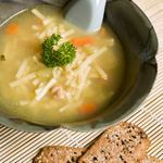 Slow Cooker Chicken Noodle Soup This vegetable packed chicken noodle soup is great for a cold day. Calories - 285 Carbohydrates - 24g Saturated Fat - 7g Protein - 31g Sodium - 121mg Dietary Fiber - 2g