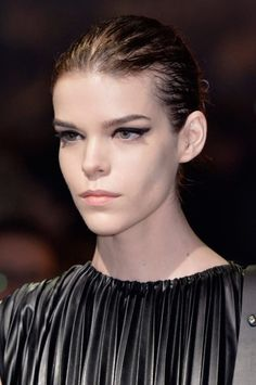 looks inspiracion wet hairstyle verano - 9 (© InDigital Showbit)