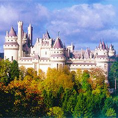 Chateau de Pierrefonds.  Found on Tumblr