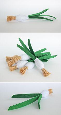 Faire semblant de jouer en feutre alimentaire « Oignon vert » (1 pc) par « MyFruit » Je propose de vous acheter réaliste peluches, fait de feutre pour