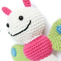 Elefante peluche, amigurumi de Two bee, patron gratis.Elephant Plush, amigurumi by Two bee,free pattern. Crochet Elephant Pattern, Bee Free, Oogie Boogie, Free Pattern, Hello Kitty, Sewing Projects, Plush, Crochet Hats, Gifts