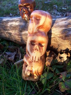 Carved stack of 3 skulls by SpiralHawkStudio on Etsy, $21.00