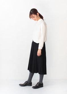 VC-1145 Box pleats skirt