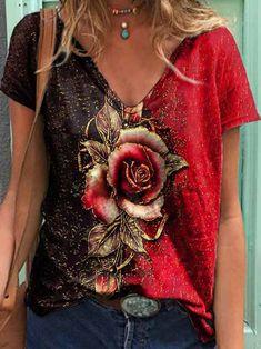 Short Sleeve Casual V Neck Shirts & Tops T Shirt Flowers, Flower Shirt, Womens Fashion Online, Latest Fashion For Women, Fashion Women, Violet Rouge, Trend Fashion, Women's Fashion, Fashion Dresses