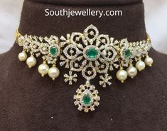 Stunning choker studded with ncut diamonds and emeralds. Necklace with pearl hangings. Stunning choker studded with ncut diamonds and emeralds. Necklace with pearl hangings. Diamond Choker Necklace, Diamond Bracelets, Diamond Jewellery, Choker Necklaces, Diamond Jhumkas, Small Necklace, Emerald Necklace, Neck Choker, White Necklace