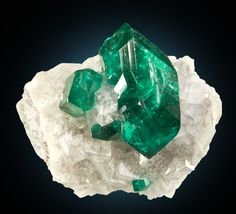 Dioptase on Calcite - Namibia / Mineral Friends <3