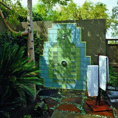 Outdoor showers: Splash of deco