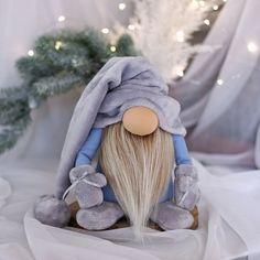 Christmas Gnome, Handmade Christmas, Christmas Crafts, Christmas Ideas, Christmas Gifts For Coworkers, Great Christmas Presents, Popsicle Stick Snowflake, Girl Gnome, Diy Crafts Hacks