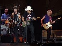 "Brad Paisley (white hat) joins Charlie Watts, Mick Jagger and Keith Richards of The Rolling Stones during The Rolling Stones North American ""ZIP CODE"" Tour - Nashville at LP Field on June 17, 2015 in Nashville, Tennessee.  Rick Diamond, Getty Images,"