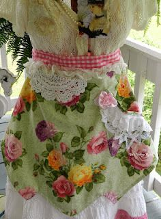 Shabby Chic Apron~~ good old rainy days, sewing today,