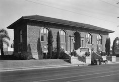 (ca. 1916) - Cahuenga Branch of the Los Angeles Public Library, located at 4591 Santa Monica Boulevard. It opened in 1916 and was intended, at the time, to serve a community of workers in the then nearby orange and avocado groves and wheat fields.