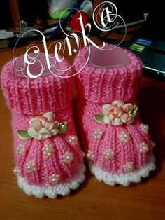 Ideas For Knitting Baby Booties Crochet Converse Baby Booties Knitting Pattern, Baby Shoes Pattern, Knitted Booties, Baby Knitting Patterns, Baby Boy Booties, Knit Baby Dress, Crochet Baby Booties, Crochet Slippers, Knitting For Kids