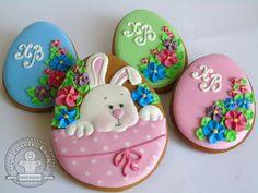 image (640×480) Iced Cookies, Cute Cookies, Cupcake Cookies, Sugar Cookies, Easter Cupcakes, Easter Cookies, Holiday Cookies, Easter Biscuits, Paint Cookies