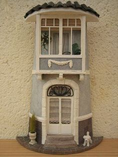 Tejas decoradas Clay Houses, Ceramic Houses, Miniature Houses, Clay Fairy House, Fairy Garden Houses, Pottery Houses, Clay Wall Art, Doll House Plans, Tile Crafts