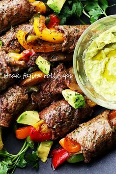 Ditch the tortillas & make this low-carb version of your favorite steak fajitas!… Leave the tortillas behind and make this low carbohydrate version of your favorite steak fajitas! A simple sirloin steak recipe with a homemade fajitas spice mix! Sirloin Tip Steak, Sirloin Steak Recipes, Flank Steak, Homemade Fajitas, Homemade Fajita Seasoning, Low Carb Recipes, Beef Recipes, Cooking Recipes, Healthy Recipes