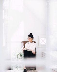 Brändikuvaus by Petra Veikkola. www.petraveikkolaphotography.com #yrityskuvaus #henkilökuvaus #brändikuvaus #maarettatukiainen #portrait #brandphotos Light Photography, Photography Tips, Portrait Photography, Photographer Branding, Intimate Weddings, Fashion Branding, Personal Branding, Wedding Portraits, Branding Design