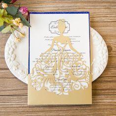 Elegante Princesa con Vestido Invitacion para XV WPLV