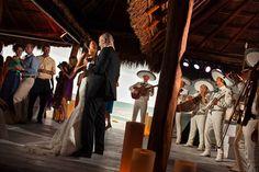 Destination wedding in Playa Del Carmen, Mexico by Photographer Zasil Studio