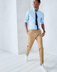 camisa-de-manga-larga-celeste-pantalon-de-vestir-marron-claro-tenis-blancos-large-27068.jpg (325×411)