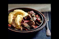 Hovězí maso se sušenými rajčaty a rozmarýnem Cooking On The Grill, Grilling, Food And Drink, Beef, Ethnic Recipes, Diet, Fine Dining, Meat, Crickets
