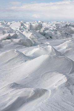 Winter: ♀ White On White Photograph snow mountain Pure White, White Light, Black And White, Der Steppenwolf, Table Verte, Nature Verte, White Mountains, White Aesthetic, Aesthetic Colors