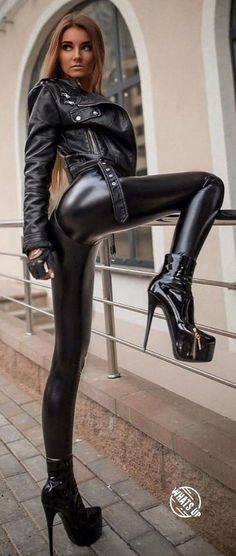 Lover of gorgeous women in sexy clothes. Eclectic in taste and easy going, always nice to speak with likeminded people, specially women. Shiny Leggings, Tight Leggings, Leggings Are Not Pants, Playboy, Black Leather Pants, Leather Trousers, Leather Shorts, Disco Pants, Sexy Latex