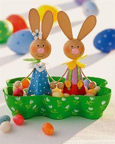 Easter nest from egg carton - Judith Schneewolf Osternest aus Eierkarton Easter nest from egg carton
