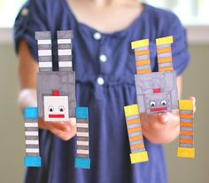 Here's a fun science activity that really gets kids thinking! Children will explore balance and center of gravity by creating a balancing robot!