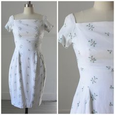 1950's embroidered floral linen shift dress