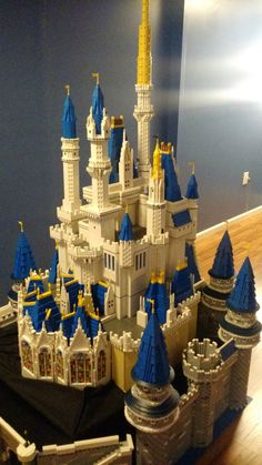 Erik Jones doesn't need glass slippers or a fairy godmother to get the castle of his dreams. He built it from LEGO bricks. Jones--already a LEGO builder- Lego Disney Princess, Disney Play, Walt Disney, Lego Burg, Van Lego, Lego Sculptures, Lego Castle, Lego Building, Party