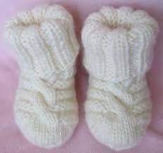 Картинки по запросу связать спицами ребёнку до года носочки пинетки
