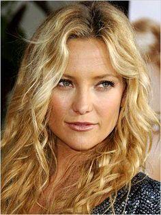 Kate Hudson Confirms to Ellen DeGeneres She Is Dating - http://www.movienewsguide.com/kate-hudson-confirms-ellen-degeneres-dating/160502