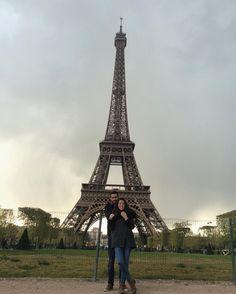 Enchantée de vous connaître  #Paris #TourEiffel #MyLove #instalove #France #OurWeekInParis #weekoff by nereariz
