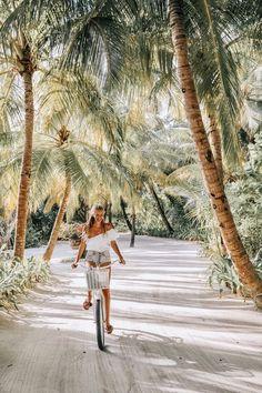 Maldives – leonie hanne – haute couture What is on your bucket list? Perhaps biking in the Maldives, under the palm trees! Maldives – leonie h Aloita Resort, Maldives Resort, Places To Travel, Places To Visit, Travel Destinations, Time Travel, Destination Voyage, Photos Voyages, Travel Goals
