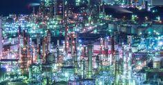 """四日市の夜景が綺麗なのはご存じですか?四日市の工場夜景はまるでSFのような近未来すぎる美しさです。その全国トップクラスの輝きを紹介します。2015年に決定した""""新""""日本三大夜景。長崎・札幌・神戸が選ばれ、その夜景の美しさは目を見張るものばかりですが、そんな都市の夜景もさることながら、夜景とは無縁の場所のように思われがちな工場の夜景も場所によってはきれいです。ぜひ、足を運んでみてはいかがですか..."""