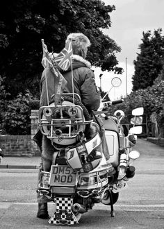 Mod in the early Mod Scooter, Lambretta Scooter, Vespa Scooters, Scooter Garage, Rude Boy, Motor Scooters, 60s Mod, Punk Goth, Mod Fashion