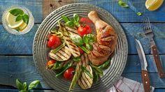 Marinované kuracie štvrte so šalátom z grilovanej zeleniny