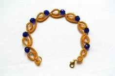 Mustard tatted bracelet Mykonos blue beaded by Ilfilochiaro