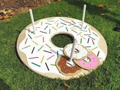 Throw a fun Donut Party for friends and wow them with your DIY Donut Decorations! All projects include step by step tutorials. Throw a fun Donut Party for friends and wow them with your DIY Donut Decorations! All projects include step by step tutorials. Donut Party, Donut Birthday Parties, Birthday Ideas, 3rd Birthday, Sleepover Party, Birthday Games, Pajama Party, Diy Party Dekoration, Simpsons Party