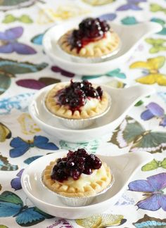 Saskatoon Berry Tart - mini pies instead of big pies. Saskatoon Recipes, Saskatoon Berry Recipe, Cherry Recipes, My Recipes, Favorite Recipes, Recipies, Canadian Recipes, Canadian Food, Tart Recipes