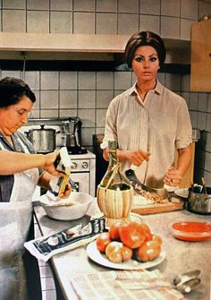 Sofia Loren loves cooking <3